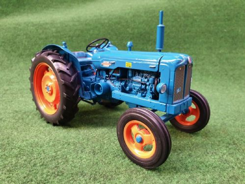 Fordson Power Major (1:16 Scale Model)